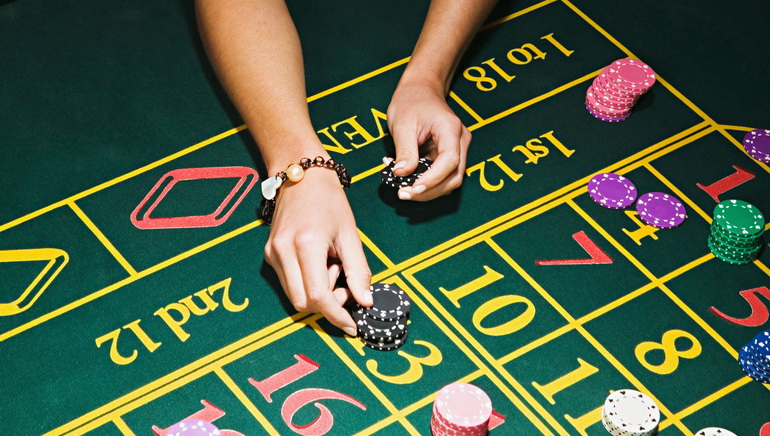 Enjoy Superb Table Games at Casino King