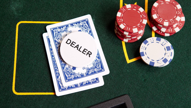 Experience The Live Dealer Tables At 777 Casino
